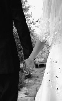 bride-187936_640